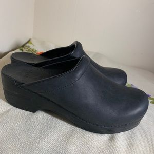 DANSKO black clogs 37 like new scrub nurse comfort